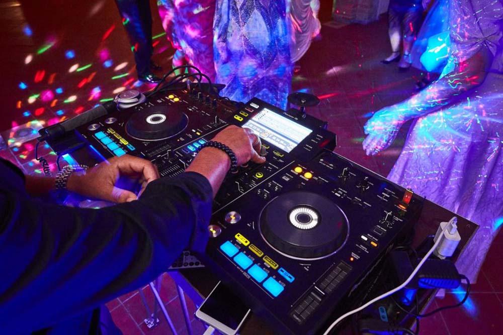 Italian wedding DJs - Wedding dj Italy for hire